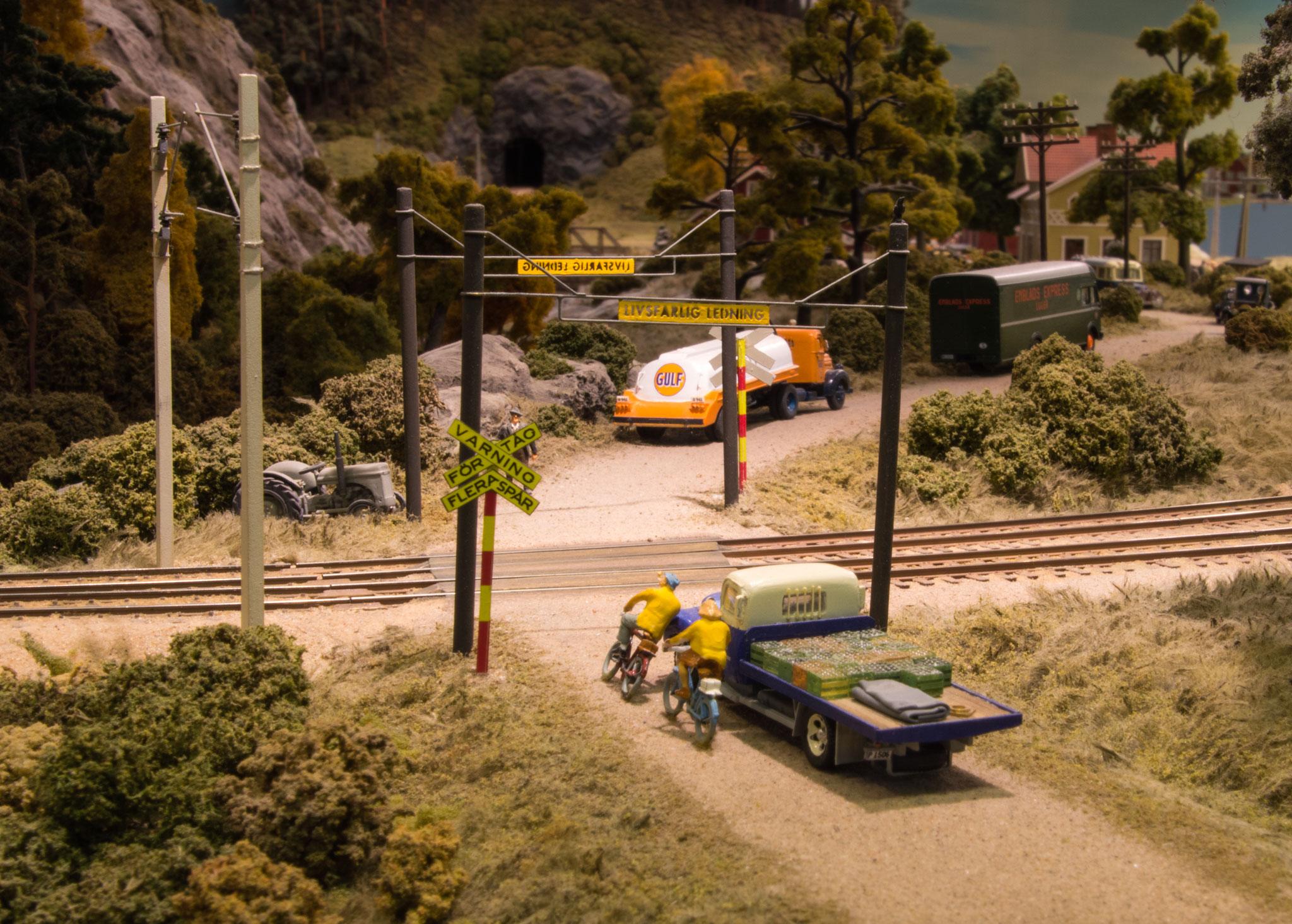 Jernbaneoverskæring lige før Bredfors