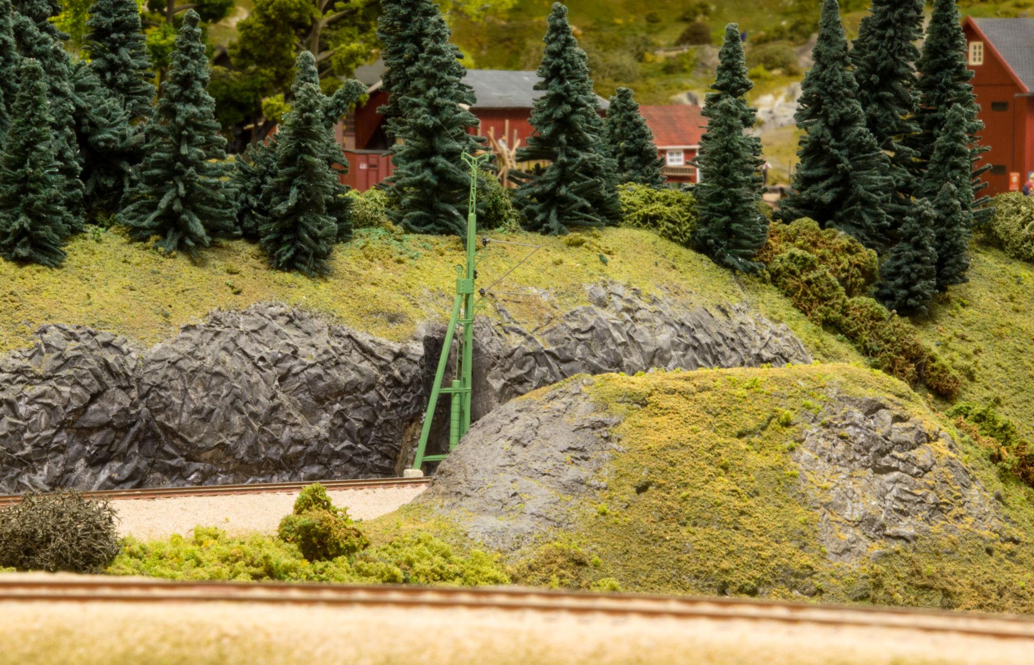 Bjerggennemskæring ved indkørslen til Dalsrud station