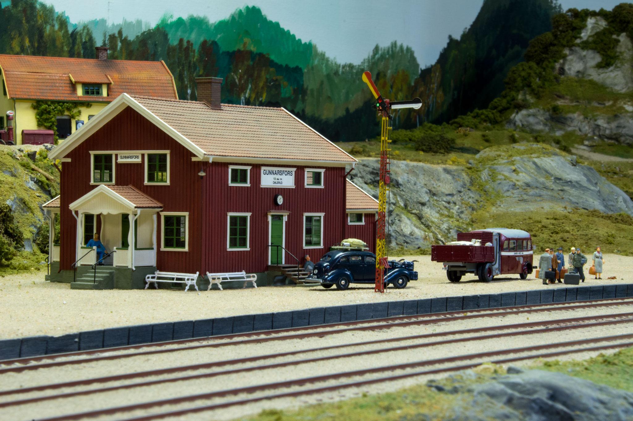 Korted station, scratchbygget i NorthEastern træ af Dan Berlund.  (Forbillede: Dals Långed på Dal Västra Värmlands Järnvägar)