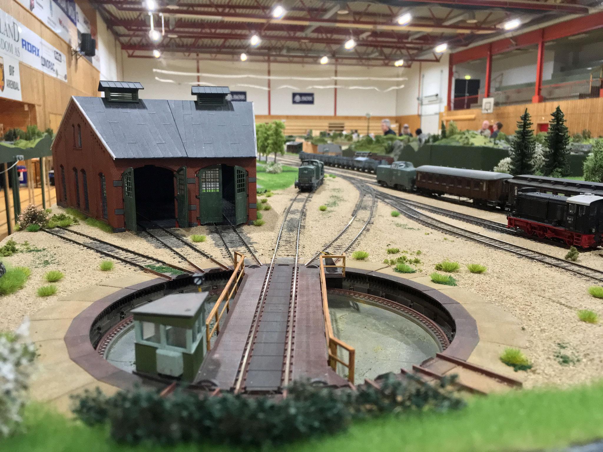 Almbag - en ny station på den fiktive Fjellandsbanen