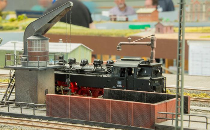 Et damplokomotiv gøres klar i Greventin
