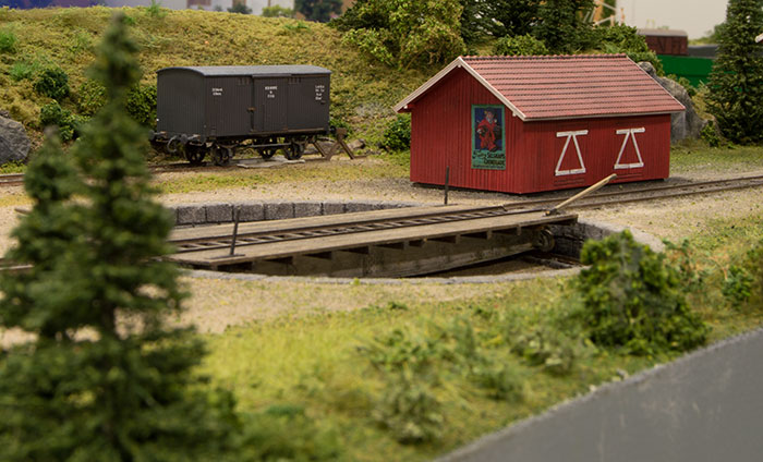 Håndbygget drejeskive på norsk modul set fra siden