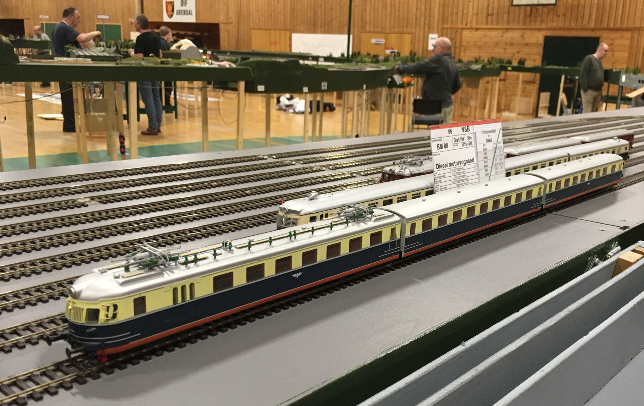 NSB BM togsæt hensat på en fiddleyard