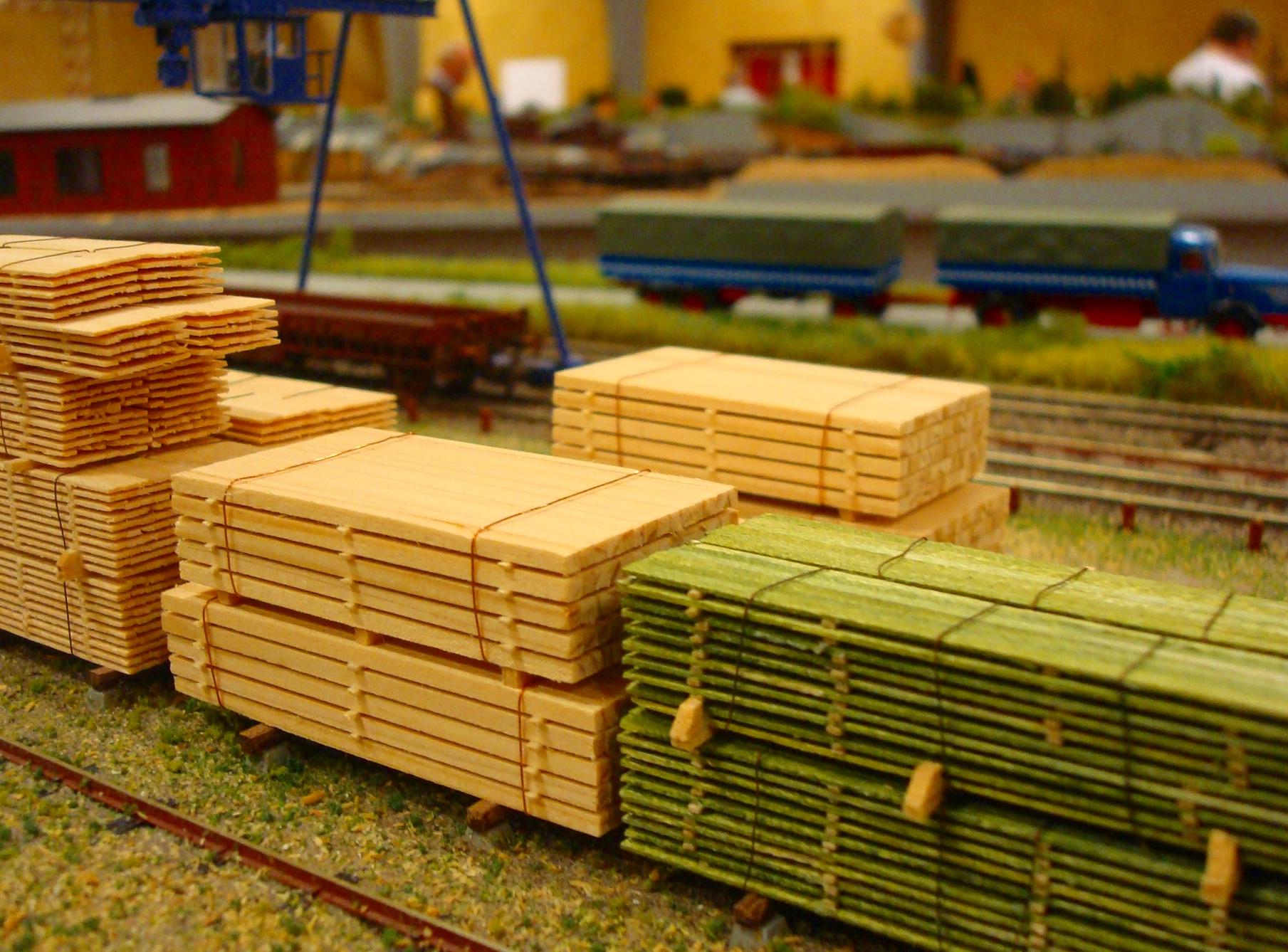 Planker ved savværk
