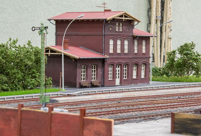 Stationsbygning