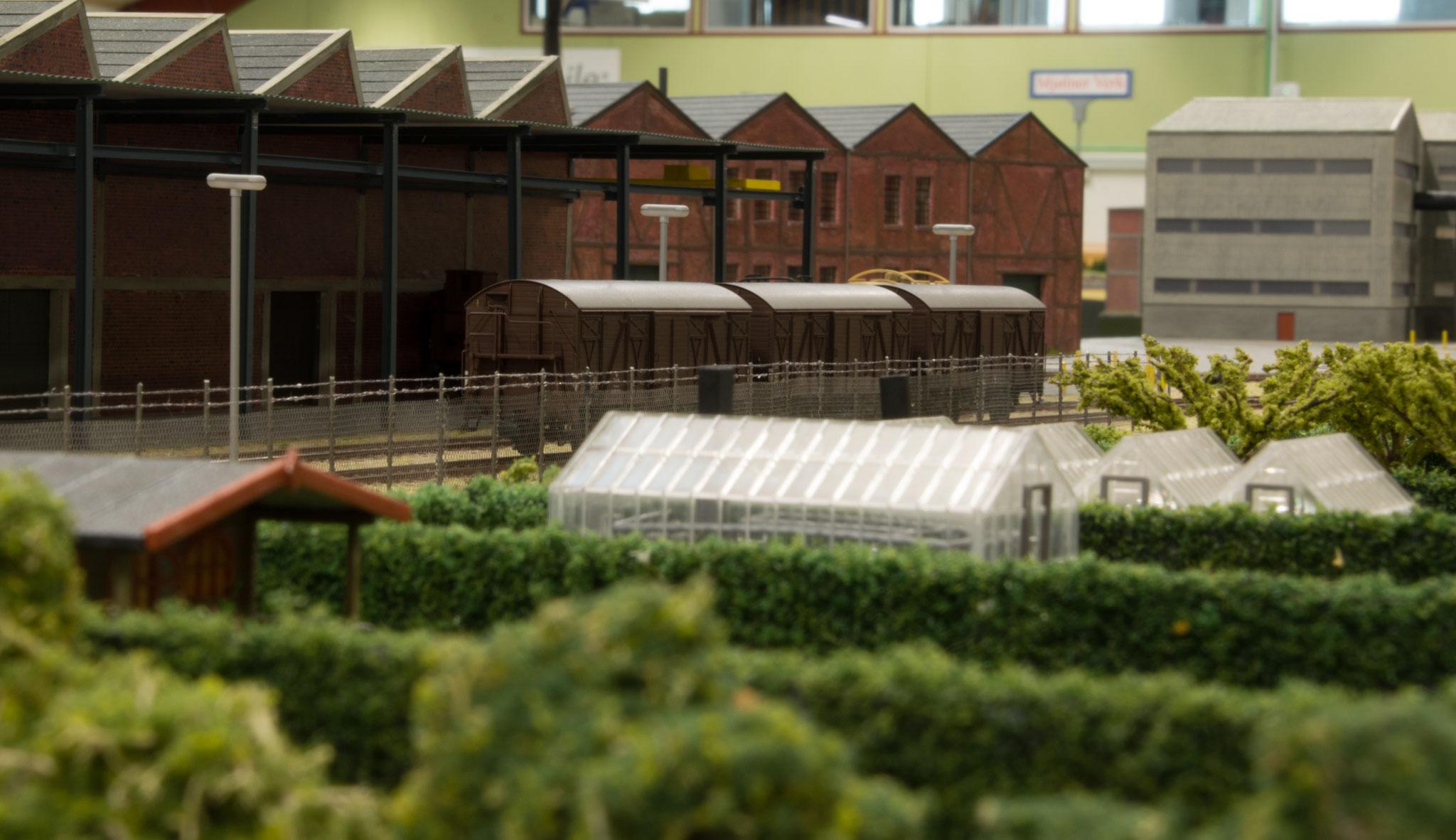Haveanlæg med drivhuse ved Superfos