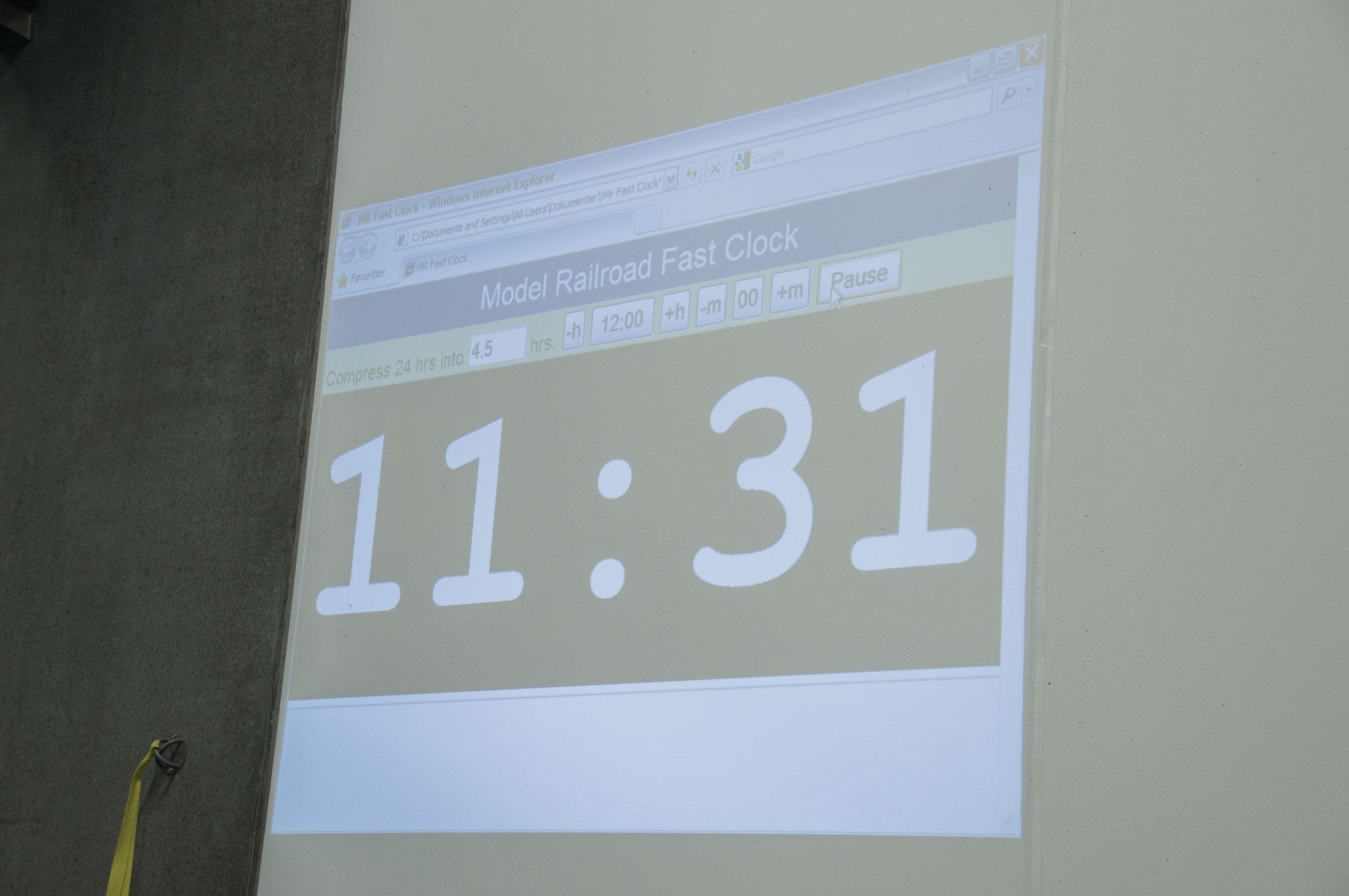 Til køreweekenden brugte vi en projector til at vise modeltiden