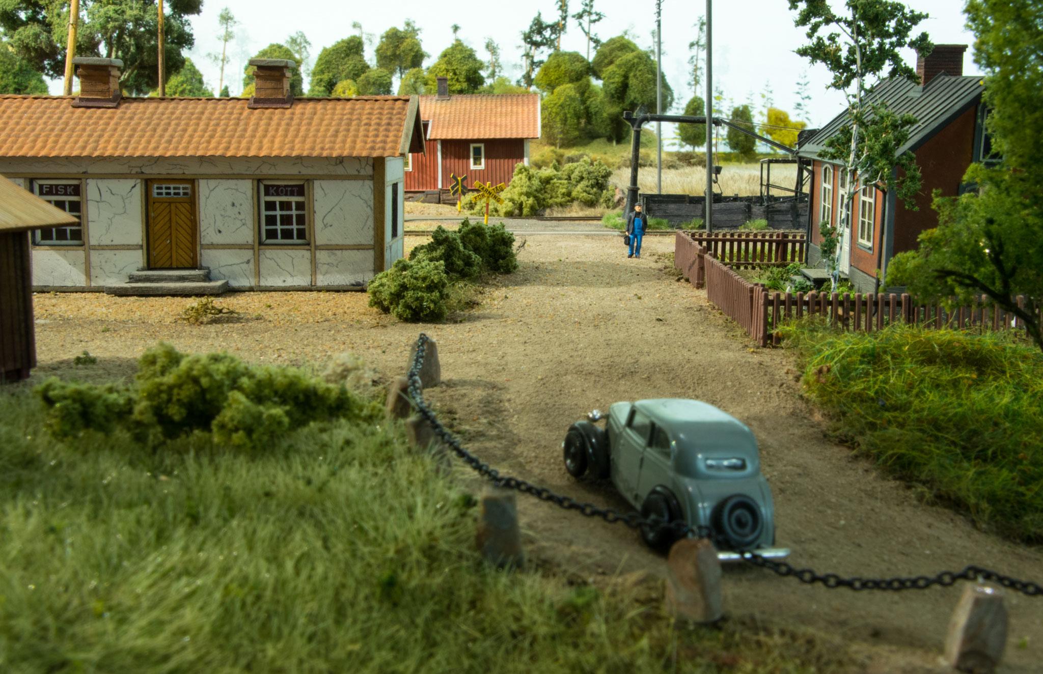 Jernbaneoverskæring i udkanten af Kvarstad