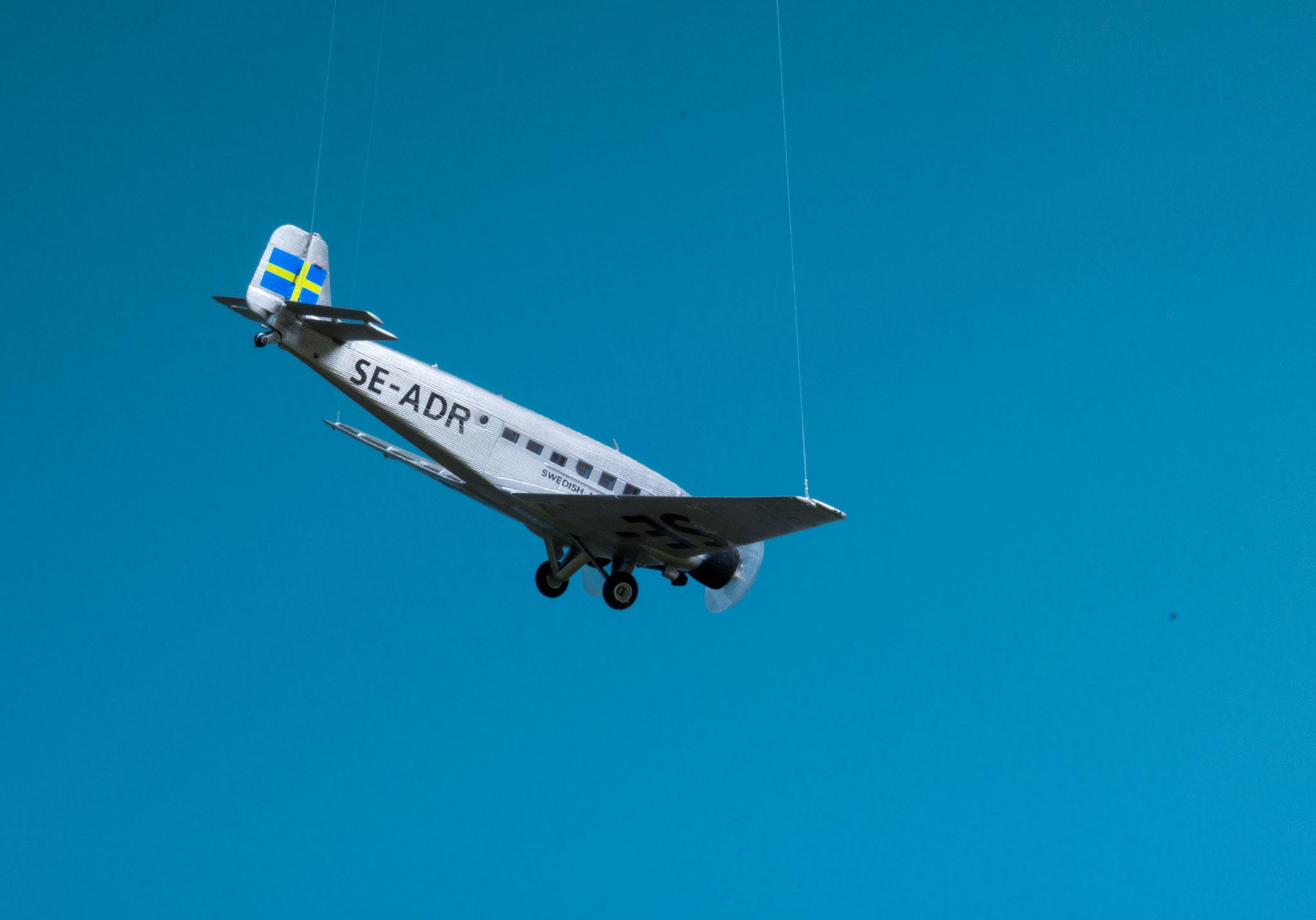 Junckers passagerfly lægger an til landing