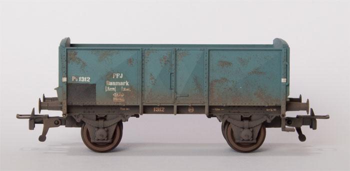 FFJ PU 1312.  Desværre er grundfarven forkert, så vognen skal ved lejlighed males grå.