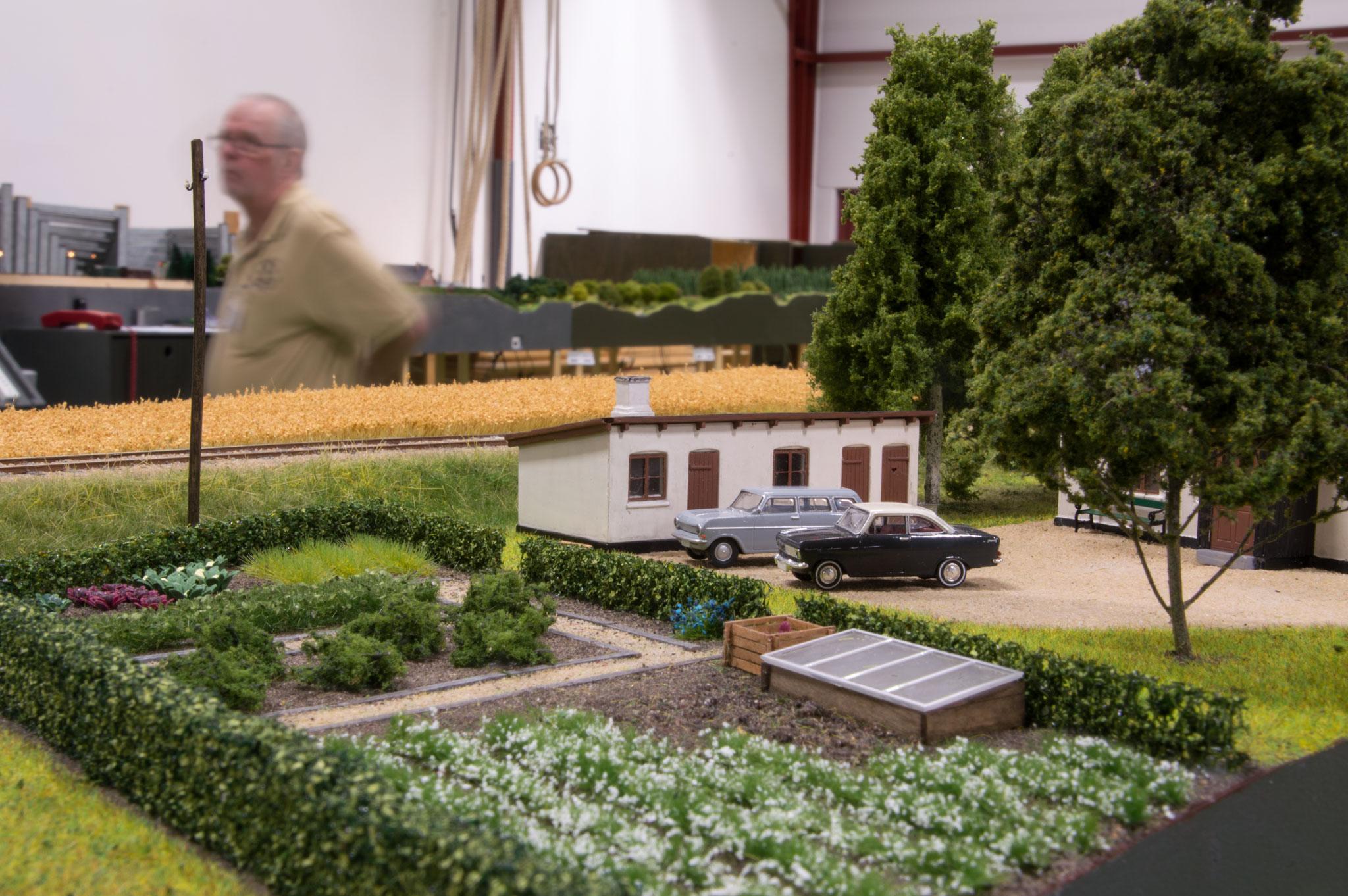 Et nærmere kig på ejendommen med køkkenhave på Ole Pedersens fine kurvemoduler