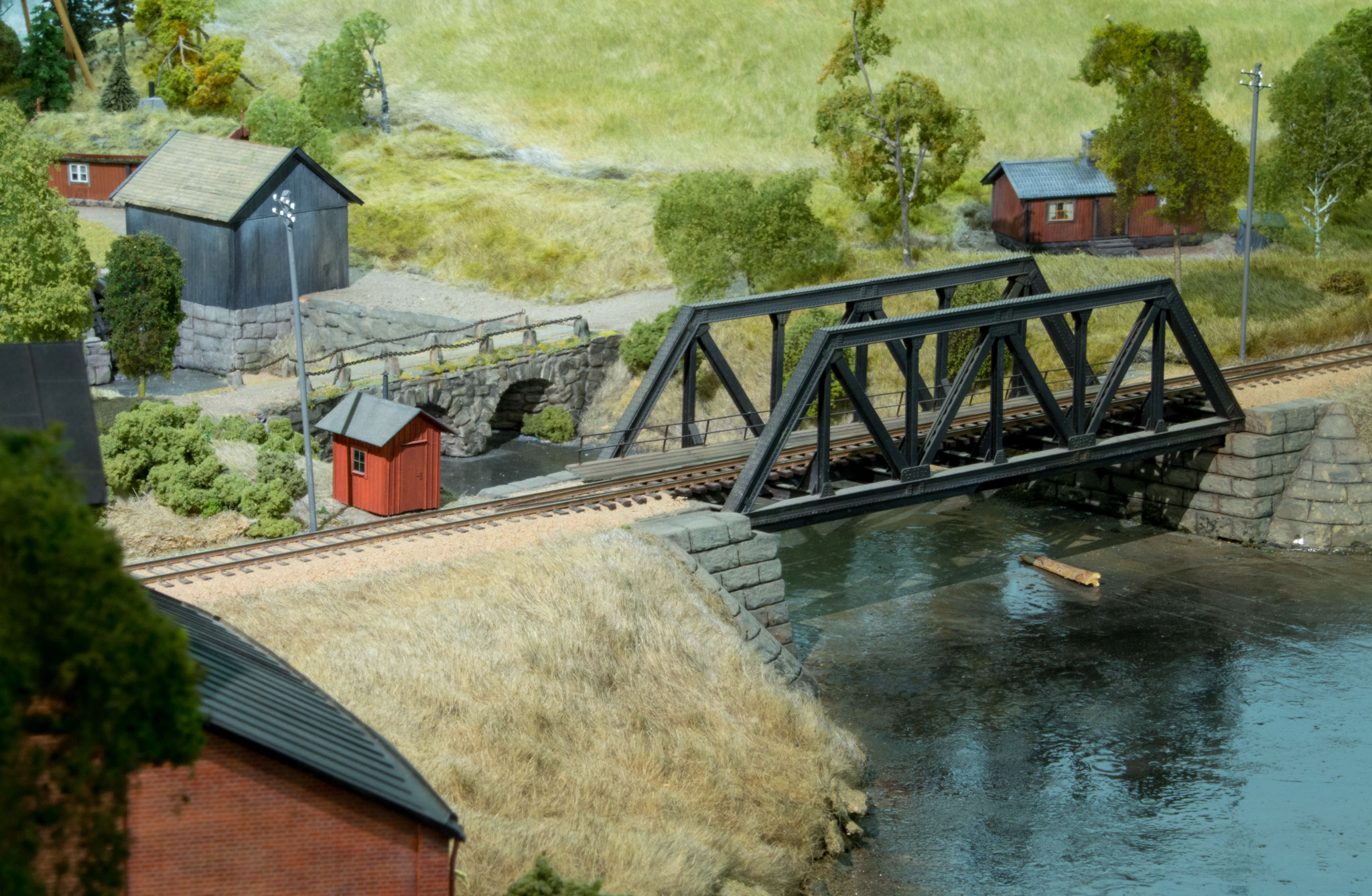 Jernbanebro udenfor Kvarstad