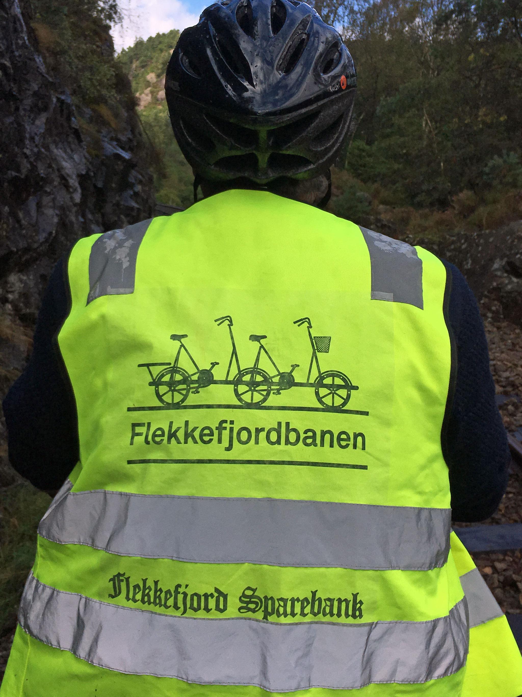 Sikkerhedsveste og cykelhjelm var påbudt
